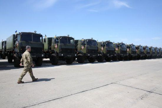 Українська армія отримала понад 400 одиниць техніки та нового озброєння