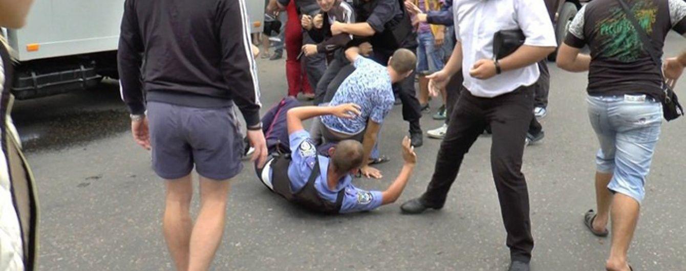 На Миколаївщині почалися заворушення через поліцейських, які до смерті забили чоловіка