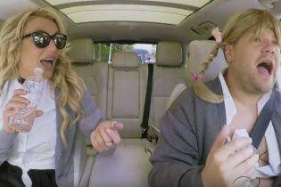 Кумедний Джеймс Корден затягнув Брітні Спірс до свого автокараоке