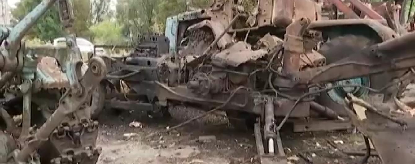 Артилерія бойовиків розгромила трактори та комбайни селян в Архангельському