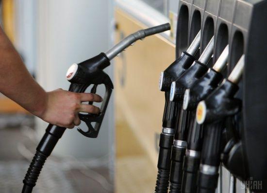Скільки коштує заправити авто на АЗС уранці 4 вересня