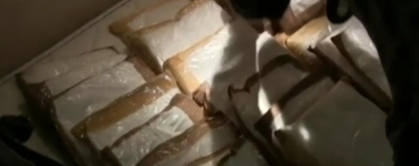 В Австралії туристи намагались завести в країну 95 кілограмів кокаїну