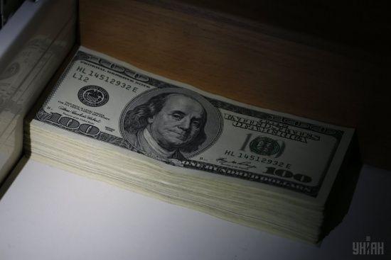 Долар після падіння перейшов у стрімке подорожчання