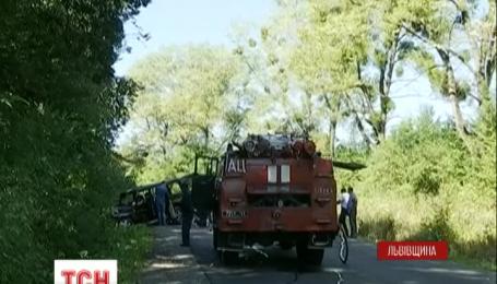 Взрыв на Львовщине: неизвестные взорвали внедорожник