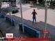 У Колумбії камери відеоспостереження зафіксували неймовірне везіння жінки-пішохода під час ДТП