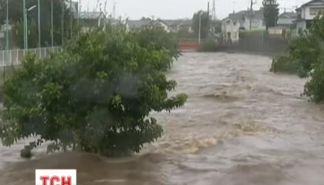 Жителям северо-востока Японии советуют готовиться к эвакуации из-за приближения тайфуна