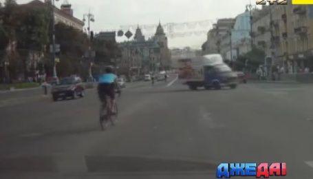 Эксклюзивное интервью с велосипедистом, который носился Киевом по встречке