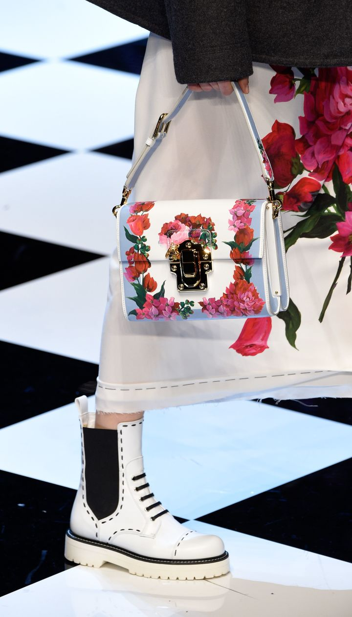 Коллекция Dolce & Gabbanaпрет-а-порте сезона осень-зима 2016-2017 @ Getty Images