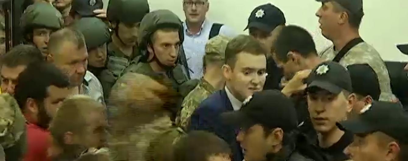 Суд подовжив арешт підозрюваним у теракті під Радою націоналістам