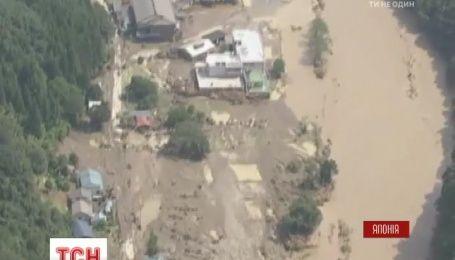 На северное побережье Японии впервые за 65 лет обрушился тайфун Lionrock