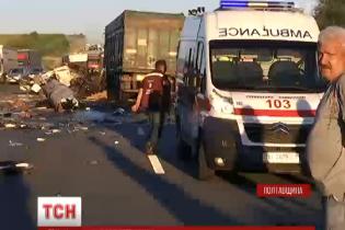 На Полтавщині в моторошній ДТП зіштовхнулися дві фури