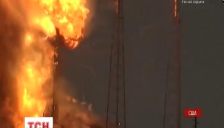 Під час тестування на мисі Канаверал вибухнула ракета Falcon 9