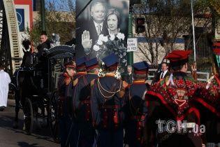 У Польщі повторно поховали екс-президента Качиньського і його дружину