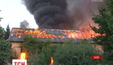 У Львові сталася масштабна пожежа