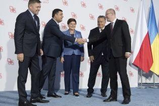 Лідери Вишеградської четвірки виступили за надання Україні безвізу попри проблеми в ЄС