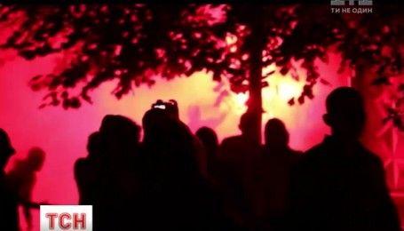 На столичном Святошино второй день местные жители воюют против застройщика