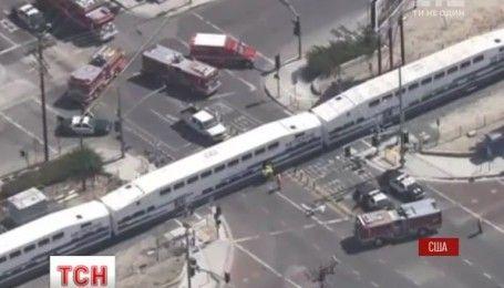 По крайней мере 21 человек пострадал в США после столкновения пассажирского поезда с грузовиком