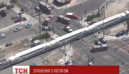 В США в результате столкнулись поезда с грузовиком пострадали 21 человек