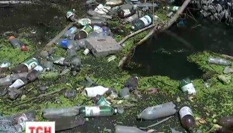 Днепр на грани: река не выдерживает бескультурья людей