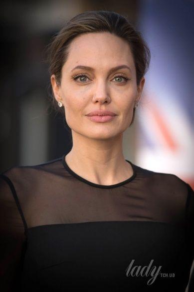 Анджелина Джоли_2
