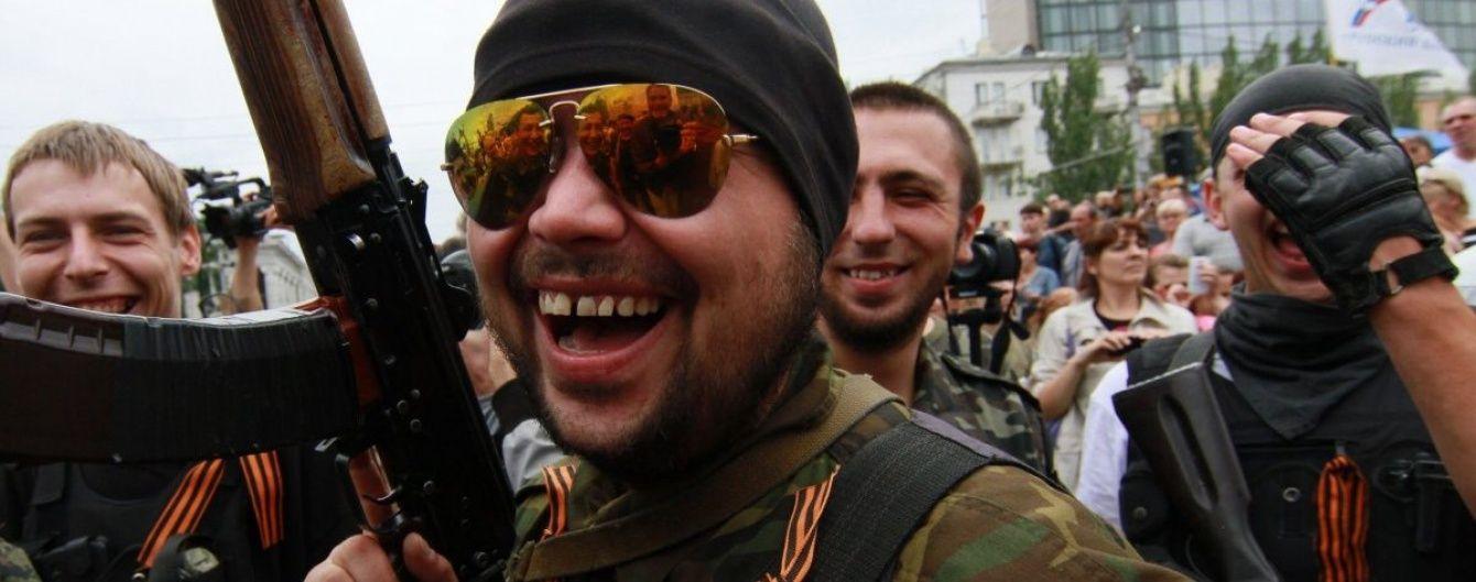 """Зарплата, премії за вилазки і відсутність вікових обмежень. Лави бойовиків """"ДНР"""" активно поповнюються"""