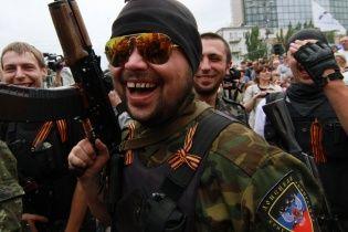 Угрожая оружием, боевики нагло грабят жителей Донбасса – Тымчук