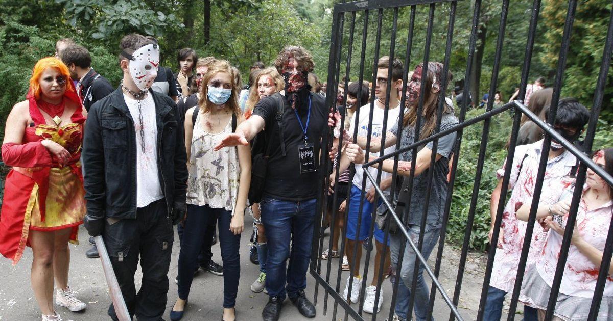 Учасники столичного параду зомбі @ УНІАН