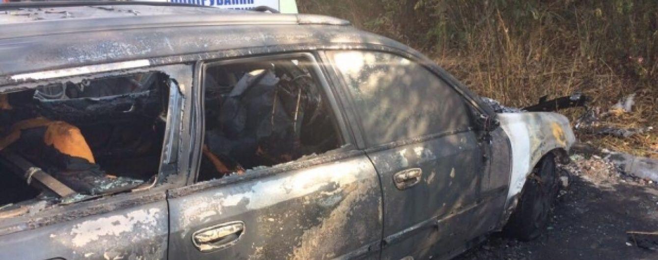 Згоріла дощенту. У Львові екс-міліціонеру підпалили автівку Subaru