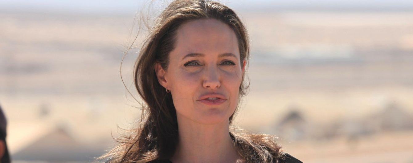 Теперь педагог: Анджелина Джоли сменила профессию