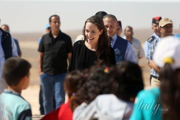 Анджелина Джоли в Иордании_3