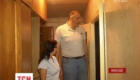 Самый высокий мужчина Украины вернулся из Латинской Америки в родной Николаев
