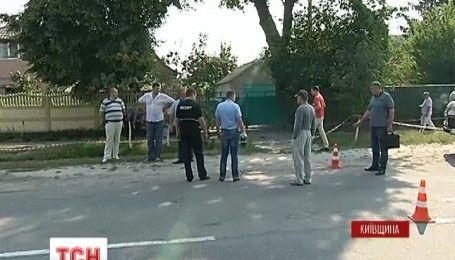 На Київщині автівка збила двох школярів