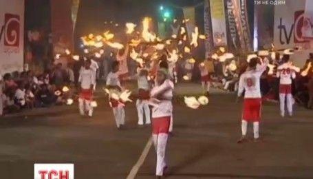 Фестиваль на Шри-Ланке: на острове начался необычайной красоты театрализованный праздник