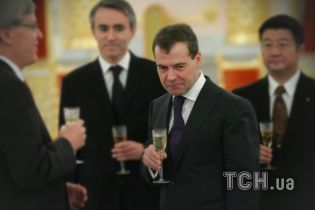 """""""Підтримку потрібно цінувати"""". Медведєв дорікнув Мінську за кредити, отримані від РФ"""