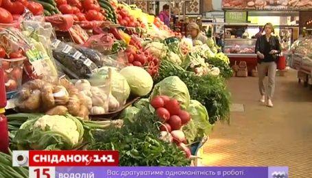 Помідори, огірки, цибуля і морква на ринках України здешевшали