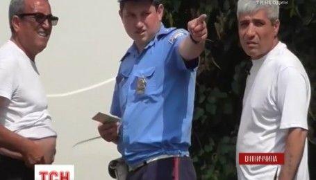 На Вінниччині патрульні взяли хабаря динями