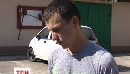 У Фастові зловмисники-пасажири викрали автомобіль у 19-річного таксиста