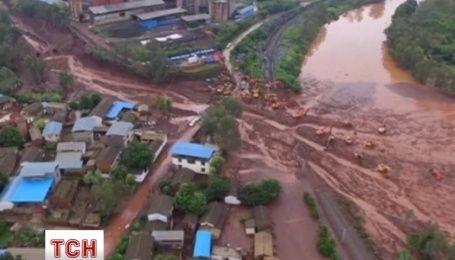 Сильный дождь спровоцировал оползни в Китае