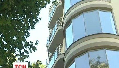 Детективи НАБУ з'ясували, хто допомагав Сергію Лещенко придбати скандальну квартиру