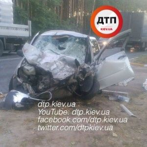 Под Киевом при лобовом столкновении погиб водитель легковушки