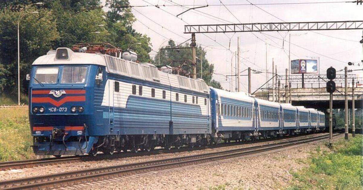 На Харківщині пасажирський потяг збив на смерть молодика