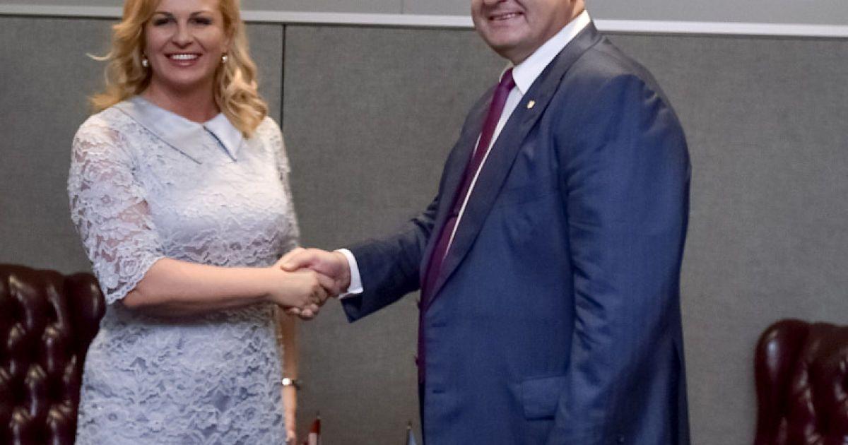 Президент України з очільницею Хорватії Коліндою Грабар-Кітарович @ Сайт президента України