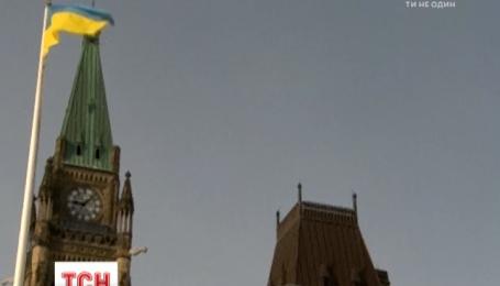 Канада не захотела отменять визы украинцам