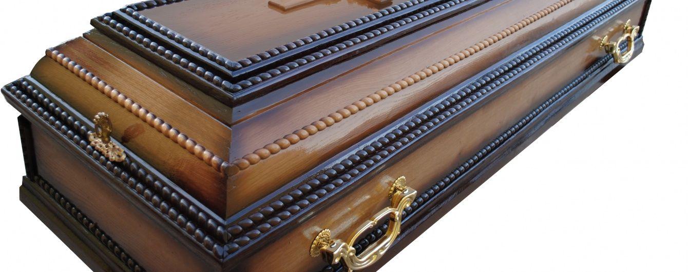 В России едва не опрокинули гроб во время драки со стрельбой на кладбище