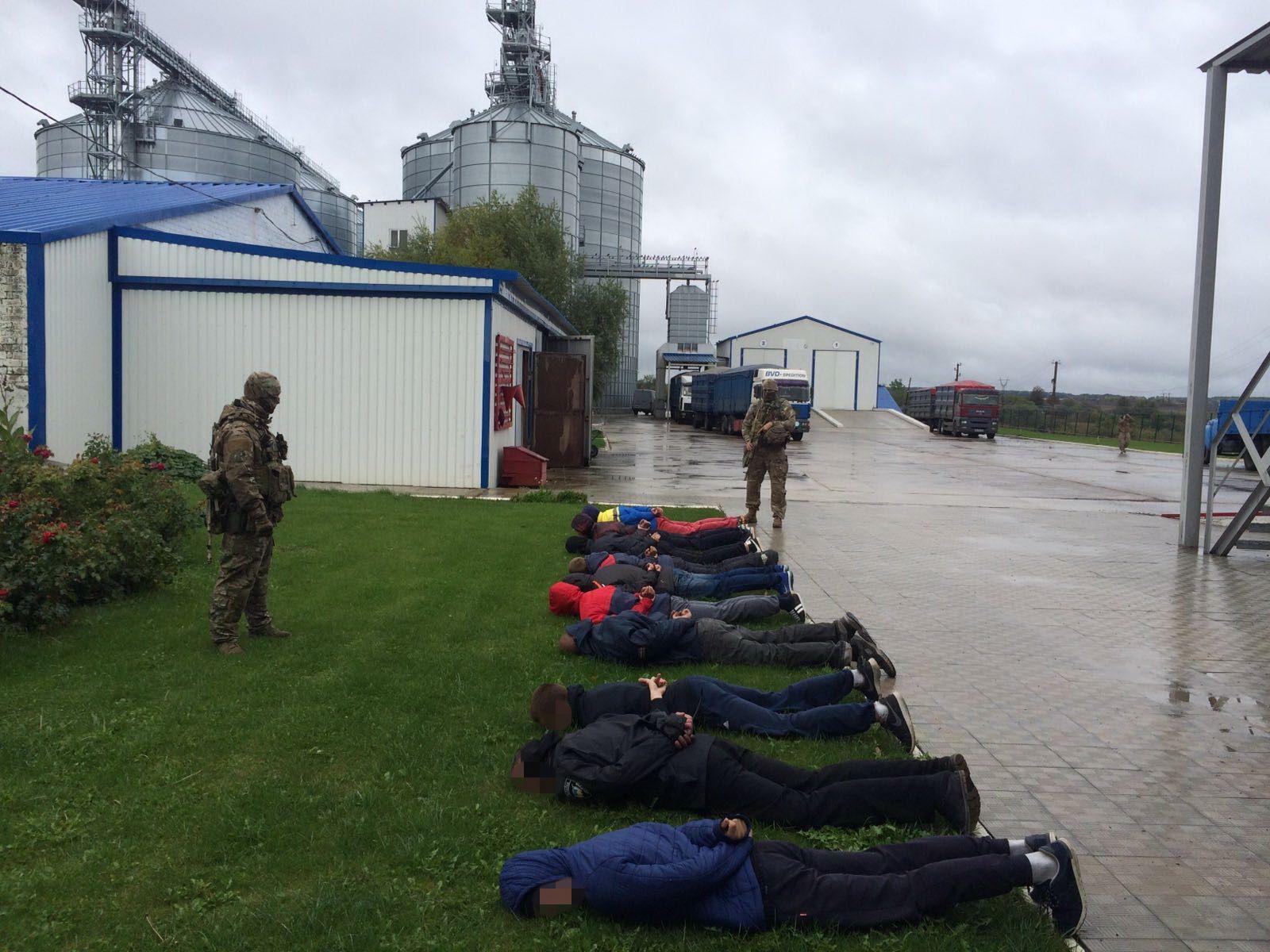 У Донецькій області затримано банду небезпечних рейдерів - СБУ_3