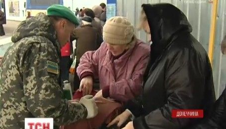 Жителі окупованого Донбасу змінюють своє ставлення до України