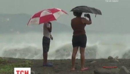 На Ямайке бушует мощный ураган Мэтью, тысячи домов оказались под водой