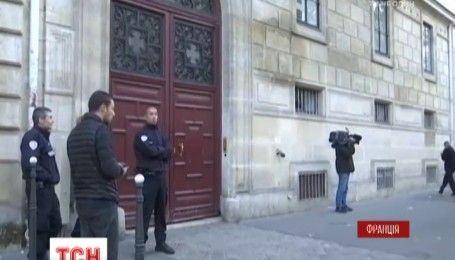 В Париже в собственных апартаментах дерзко ограбили известную телезвезду
