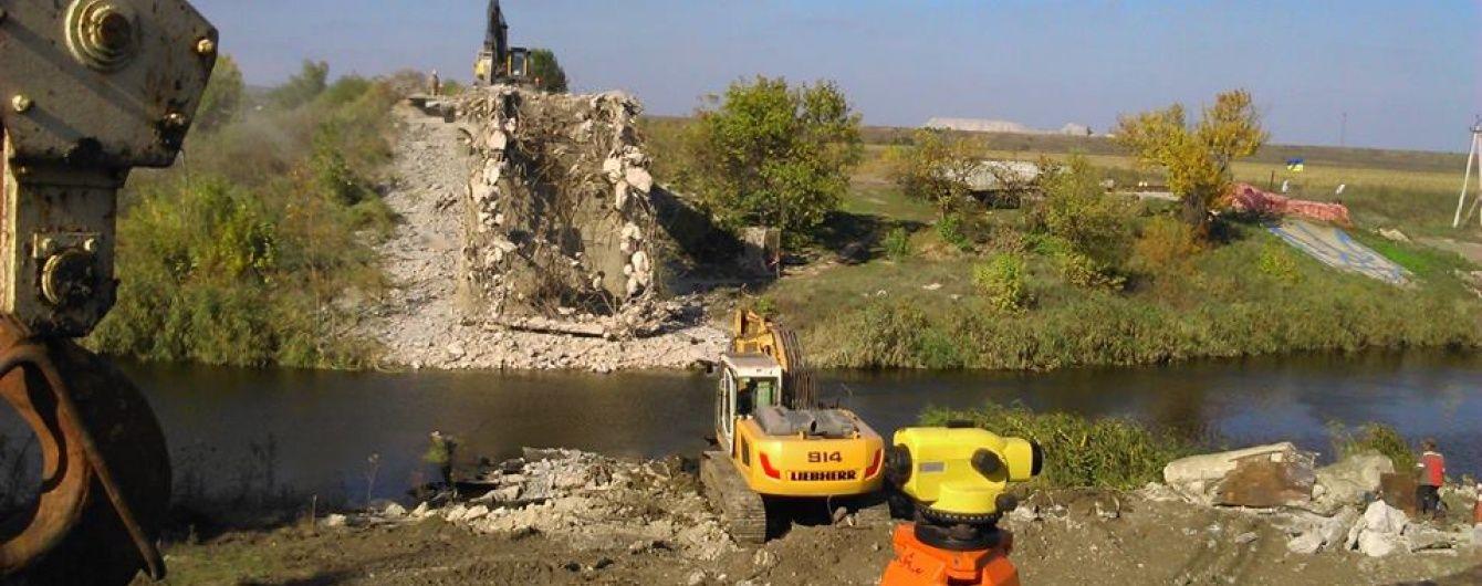 На Донбасі відновлять три мости, зруйновані бойовиками - Жебрівський
