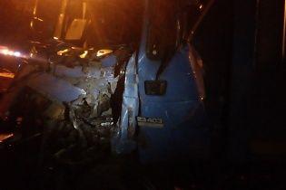Смертельна ДТП на Миколаївщині: дві вантажівки зіштовхнулися лобом в лоб